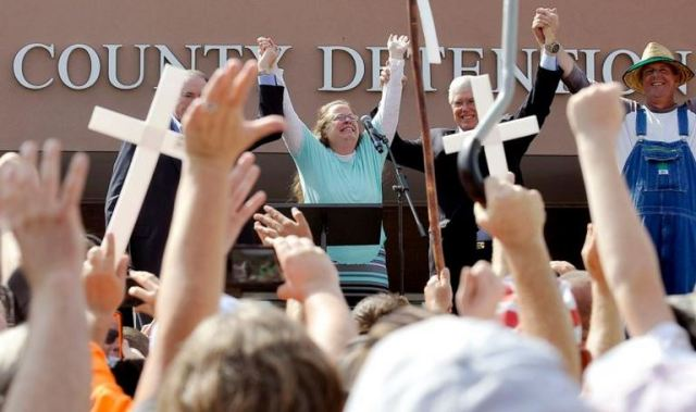 Kim Davis, a Rowan County, Ky., clerk, celebrates her release Sept. 8 from the Carter County Detention center in Grayson, Ky. The Vatican Sept. 30 did not deny reports that while in Washington, Pope Francis briefly met with Davis, who was jailed for refusing to issue marriage licenses to same-sex couples. (CNS photo/Chris Tilley, Reuters)
