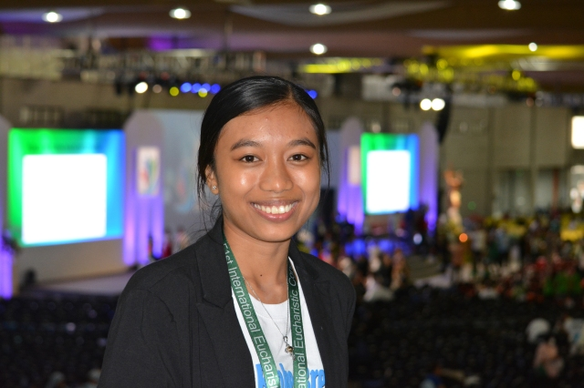 "Former garbage scavenger turned mentor to street children Maria Georgia ""Maggie"" Cogtas at the 51st International Eucharistic Congress. She moved many in the audience of more than 12,000 to tears when she told of a childhood without playing, only tough work as a garbage picker at dumpsites, construction sites and on the streets. (CNS/Simone Orendain)"