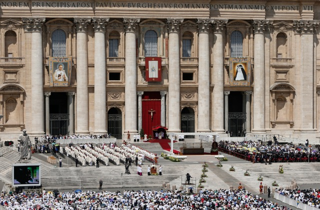 Pope Francis celebrates the canonization Mass for two new saints in St. Peter's Square at the Vatican June 5. Those canonized were St. Stanislaus Papczynski of Poland, founder of the Marian Fathers of the Immaculate Conception, and St. Mary Elizabeth Hesselblad of Sweden, who refounded the Bridgettine order that had died out in Sweden after the Protestant Reformation. (CNS/Paul Haring)