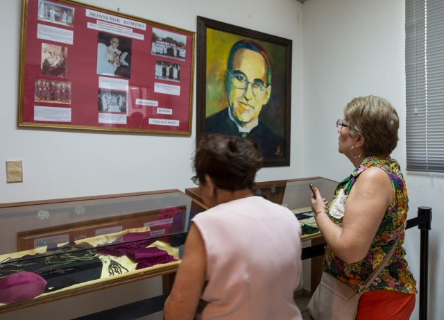 Women look at relics and other items of Blessed Oscar Romero at Divine Providence Hospital in San Salvador in 2015. (CNS/Octavio Duran)