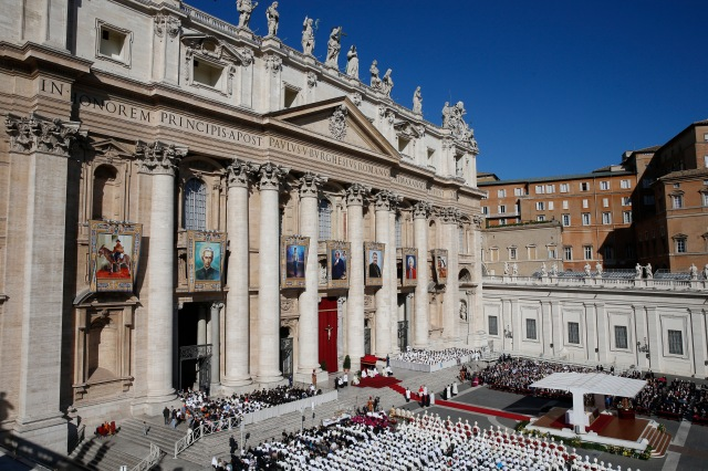 Pope Francis celebrates the canonization Mass for seven new saints in St. Peter's Square at the Vatican Oct. 16. (CNS photo/Paul Haring)