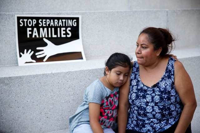 An immigrant mother and daughter in Los Angeles. (CNS/EPA)