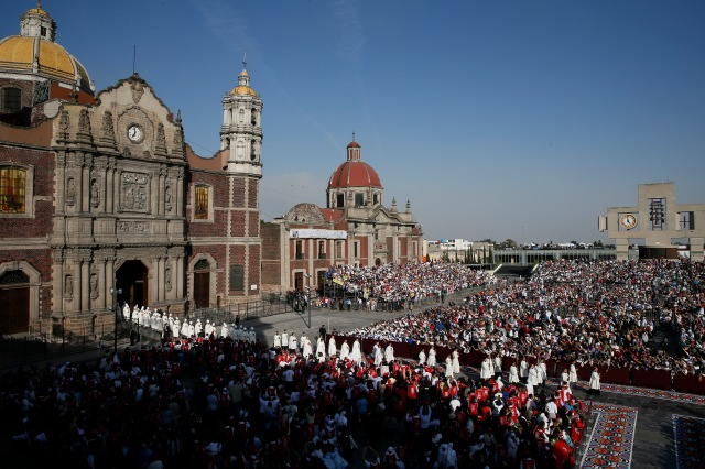 Bishops process from the historic Basilica of Our Lady of Guadalupe in Mexico City to the modern adjacent basilica for a Mass celebrated by Pope Francis in February 2016. (CNS photo/Paul Haring)