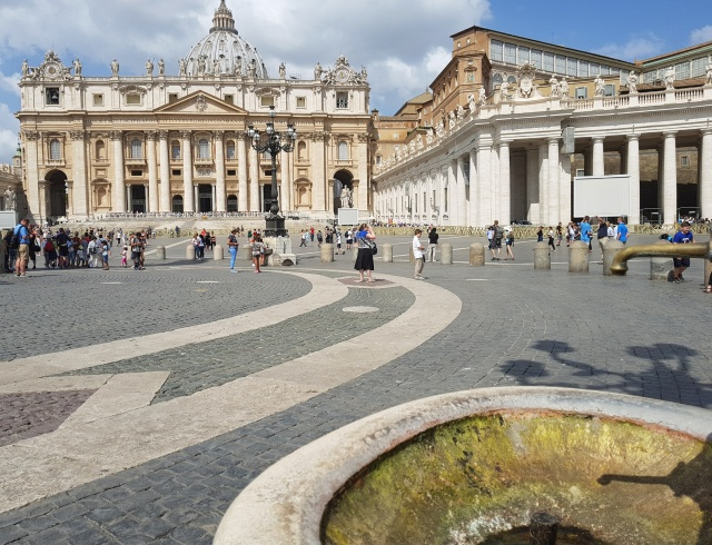 A dry fountain is seen in St. Peter's Square July 25. (CNS/Junno Arocho Esteves)