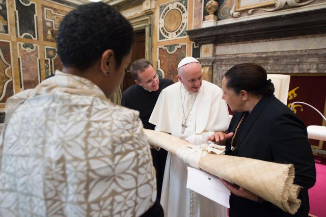 Pope Francis, meeting Nov. 11 with leaders of the Pacific Islands Forum, urged international cooperation to protect the environment and the world's oceans. (CNS/L'Osservatore Romano)