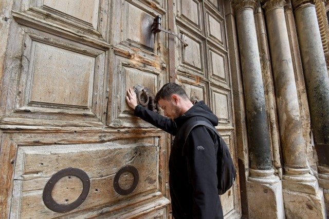 Muslims Literally Hold Key To Jerusalem S Church Of The