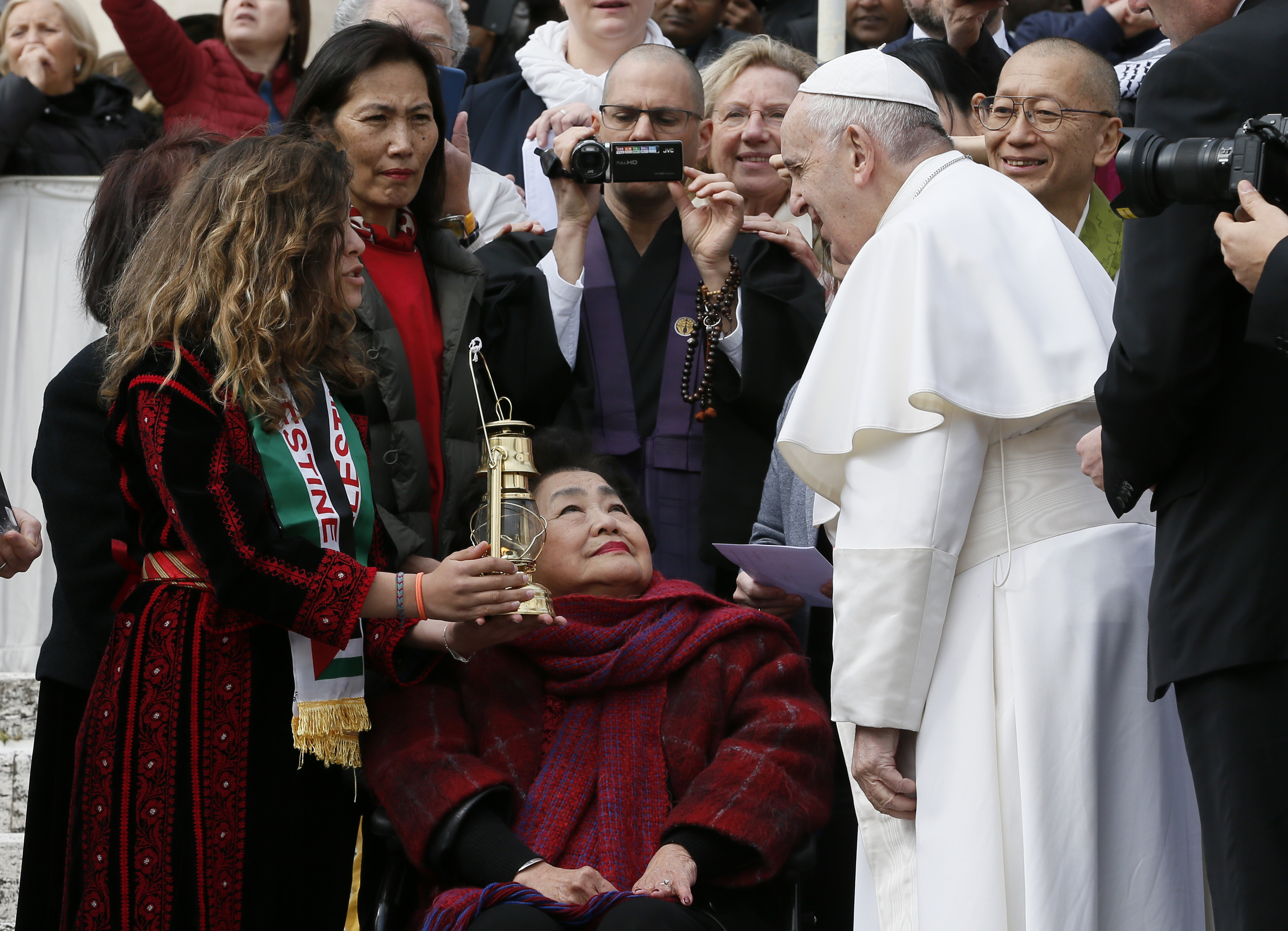God's will is clear: to seek out, save humanity from evil, pope says